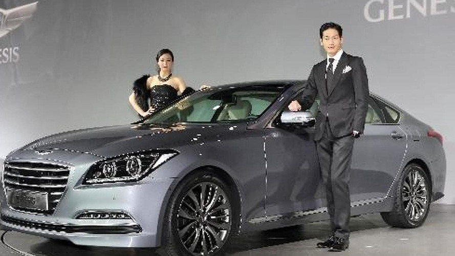 2014 Hyundai Genesis officially revealed with four engines and AWD