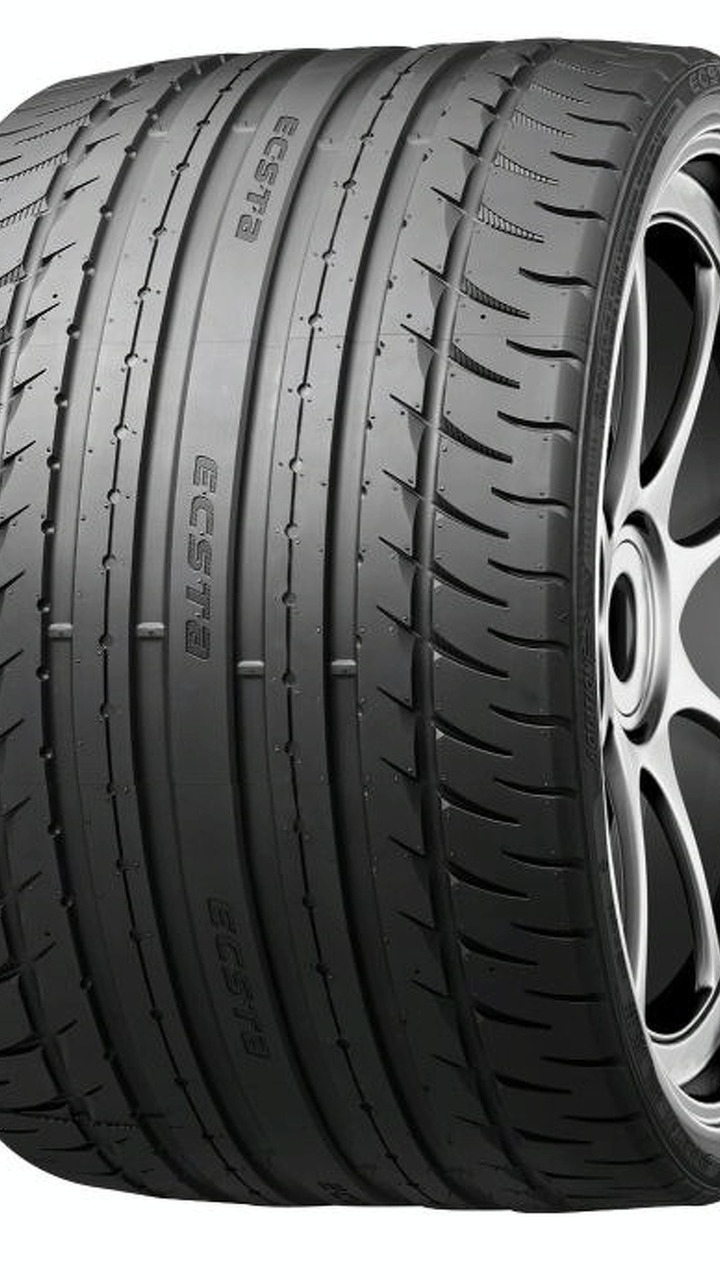 kumho reveals first low profile 15 series tire at sema photos. Black Bedroom Furniture Sets. Home Design Ideas