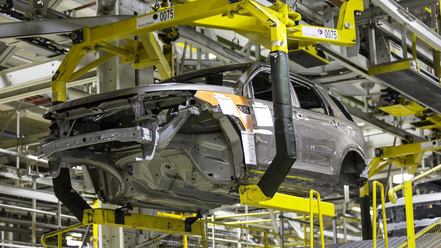 2015 Land Rover Discovery Sport goes into production [video]