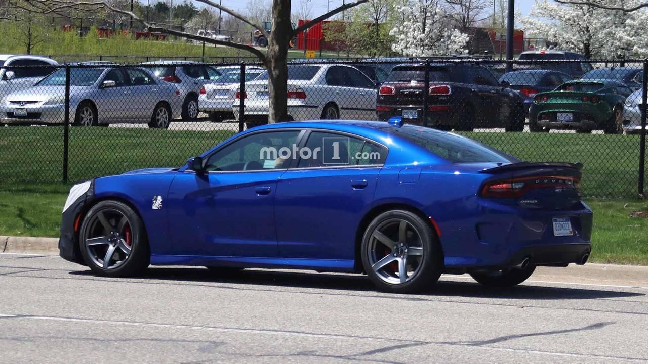 Dodge Charger Srt Hellcat >> 2019 Dodge Charger SRT Hellcat Spy Shots photo