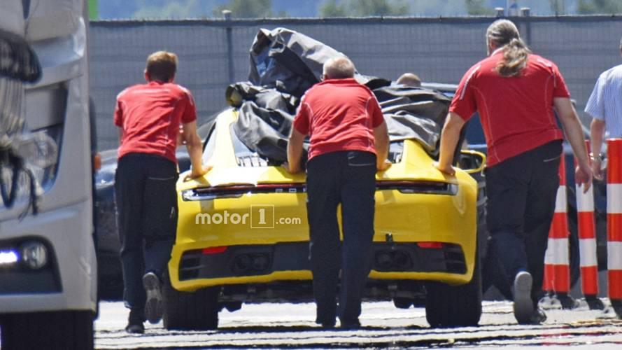 2019 Porsche 911'in arka kısmı bir miktar göründü