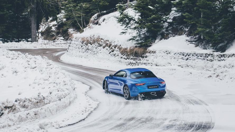 300 lóerő körüli teljesítménnyel érkezhet az Alpine A110 Sport
