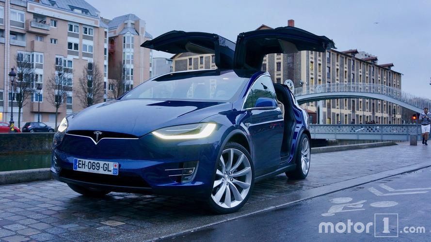 Tesla rappelle 11'000 Model X dans le monde
