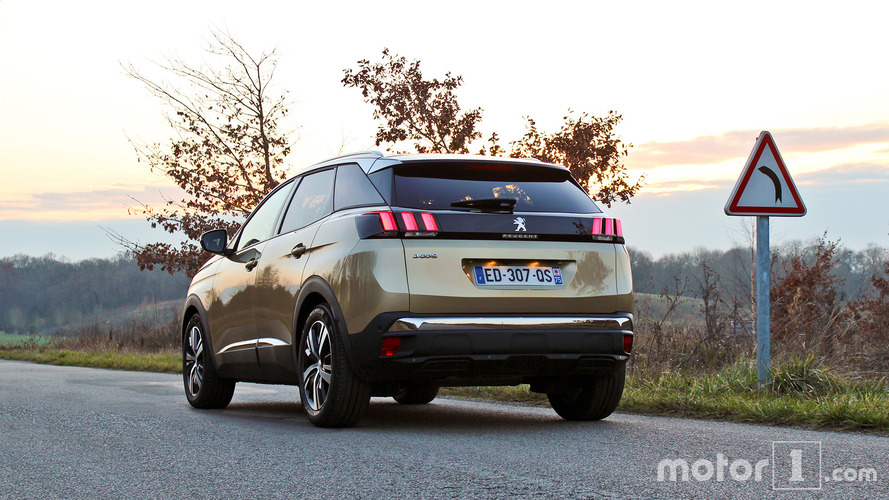 VIDÉOS - Le Peugeot 3008 et ses aides à la conduite en détail !