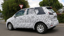 2017 Opel Meriva spy photo