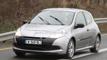 2012 Renault Clio RS mule spied for the first time