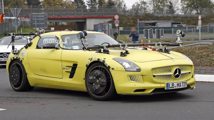 Mercedes spotted testing sls amg electric drive but why for Mercedes benz sls amg electric drive