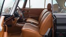 Mercedes-Benz W111 clásico, con motor 5.5 V8 AMG
