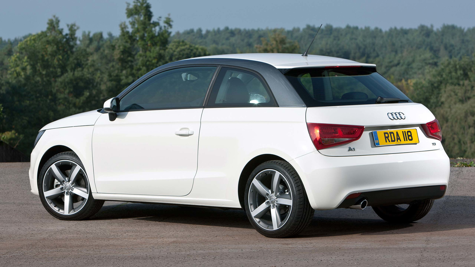 & 2017 Audi A1 Review
