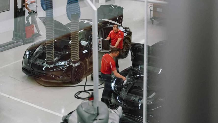 Porsche Mission E - Testes na fábrica
