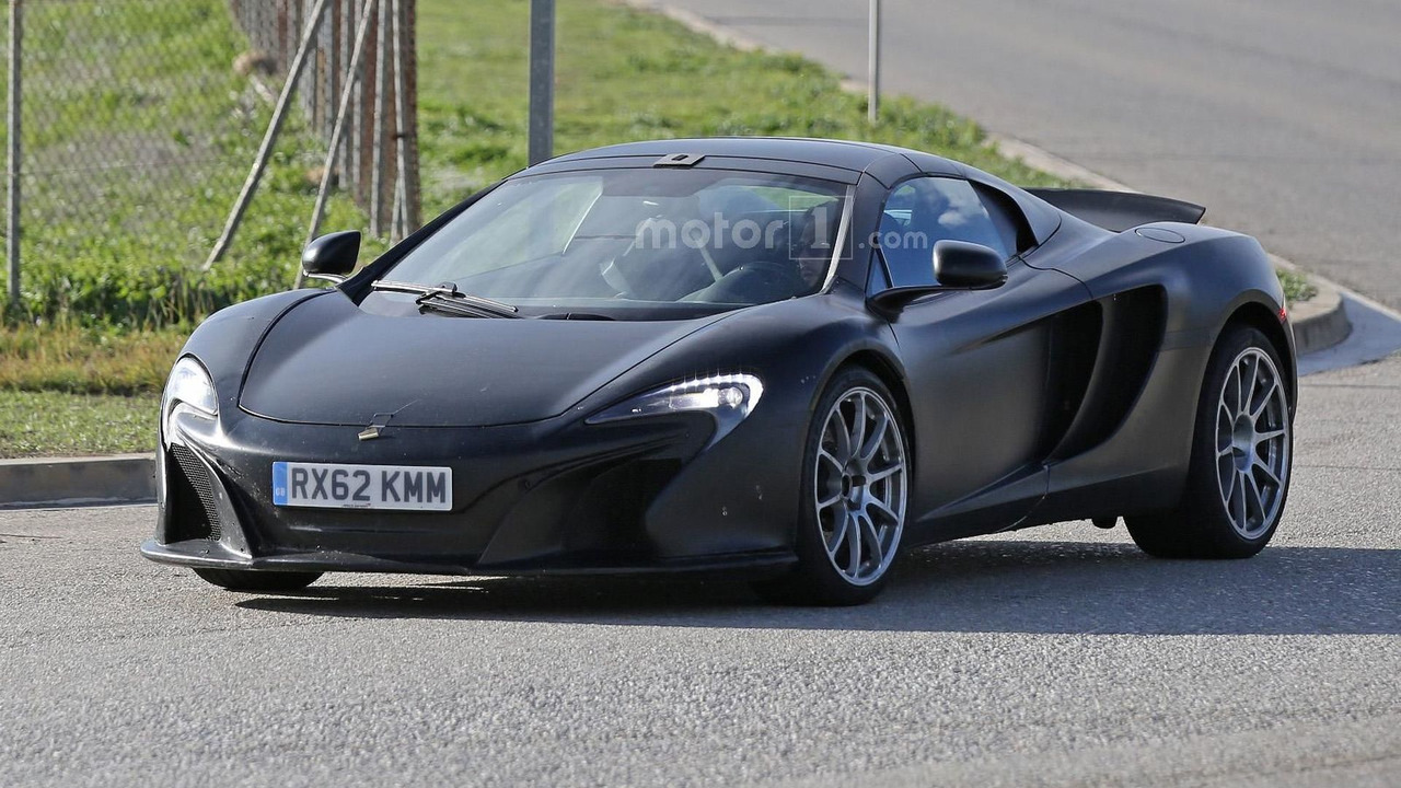 McLaren 675LT Spider spy photo
