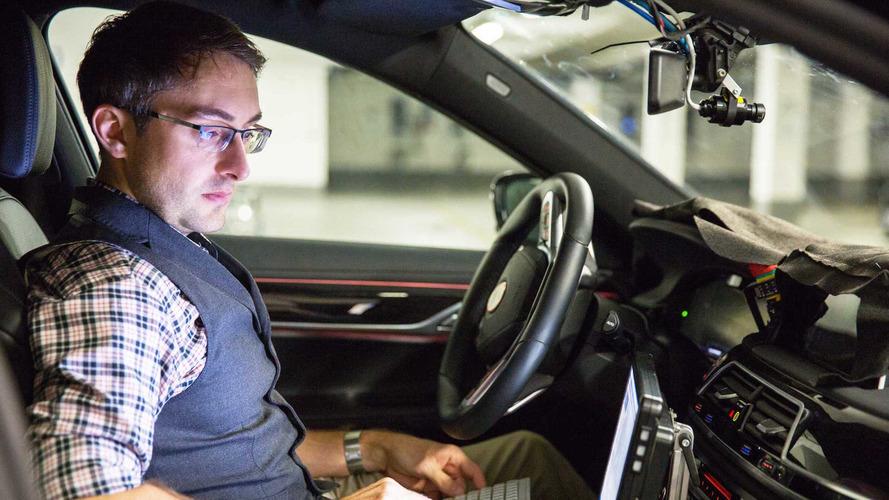 BMW otonom araçlar için 2021 tarihini öngörüyor