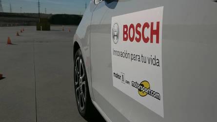 Más de cincuenta personas disfrutaron de la tecnología de BOSCH (actualizado con vídeo)
