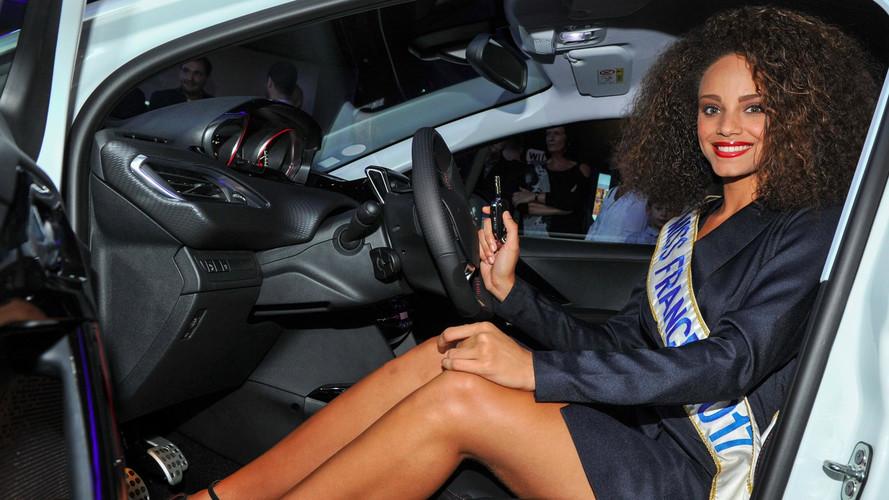 Miss France 2017 prend livraison de sa Peugeot 2008