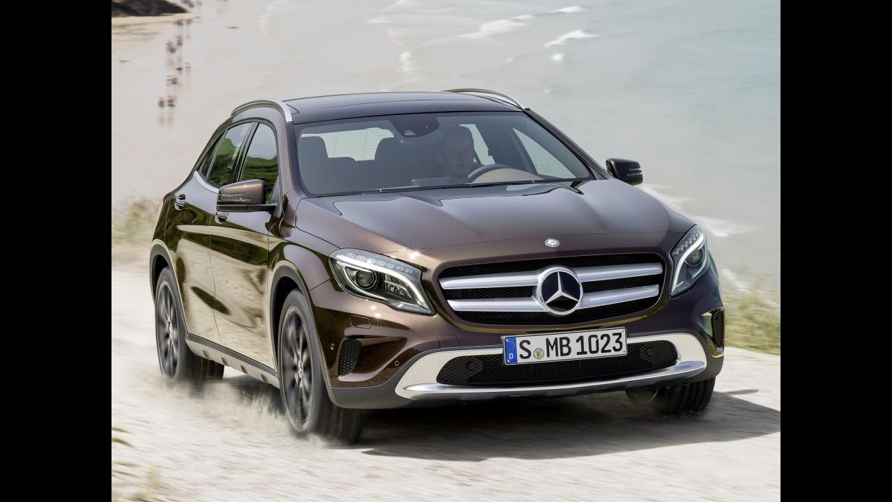 Vídeo: Mercedes-Benz mostra crossover GLA em detalhes