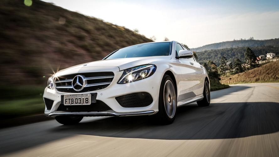 Sedãs de luxo em março – Mercedes-Benz Classe C dispara na liderança