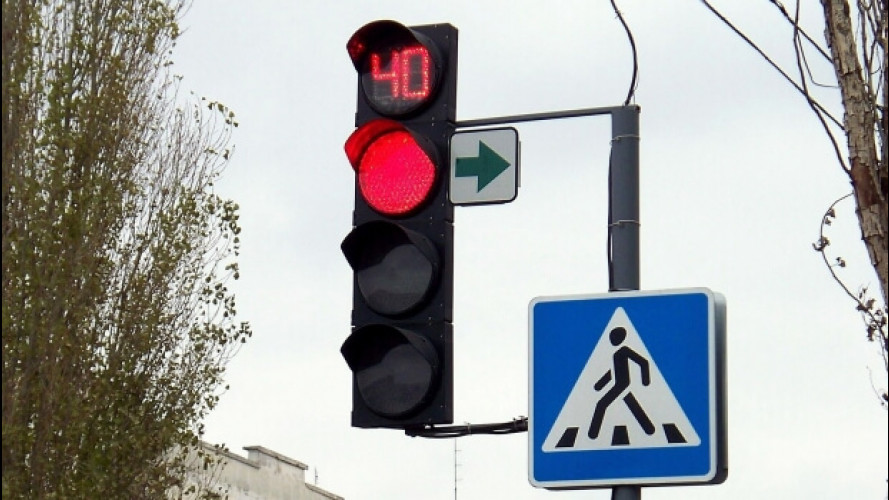 Timer ai semafori, dopo 7 anni c'è il decreto