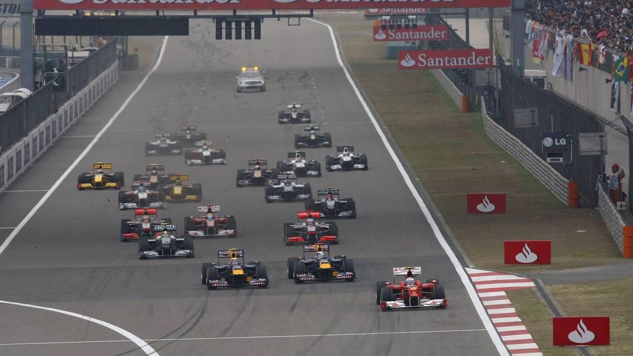 Fernando Alonso (ESP) leads the start of the race, Chinese Grand Prix, 18.04.2010 Shanghai, China