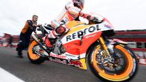 """Barros: Márquez """"está tirando no braço"""" desvantagem da Honda"""