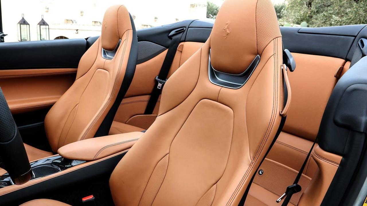 Dossiers sièges arrière rabattables - 1200 €