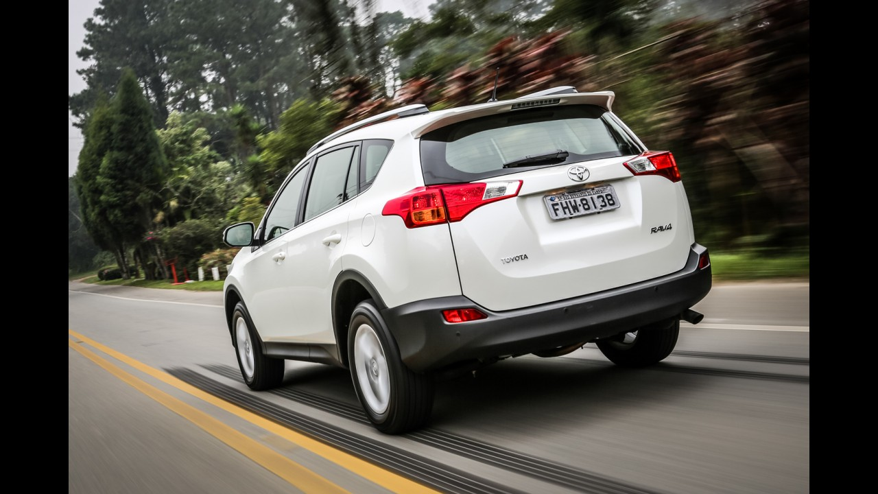 Toyota divulga nova tabela de preços para Corolla, Prius e Rav4