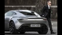 James Bond é
