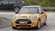 Mini Cooper S facelift spy photo