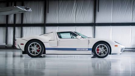 10-Mile 2006 Ford GT Estimated To Fetch $350,000 At Auction
