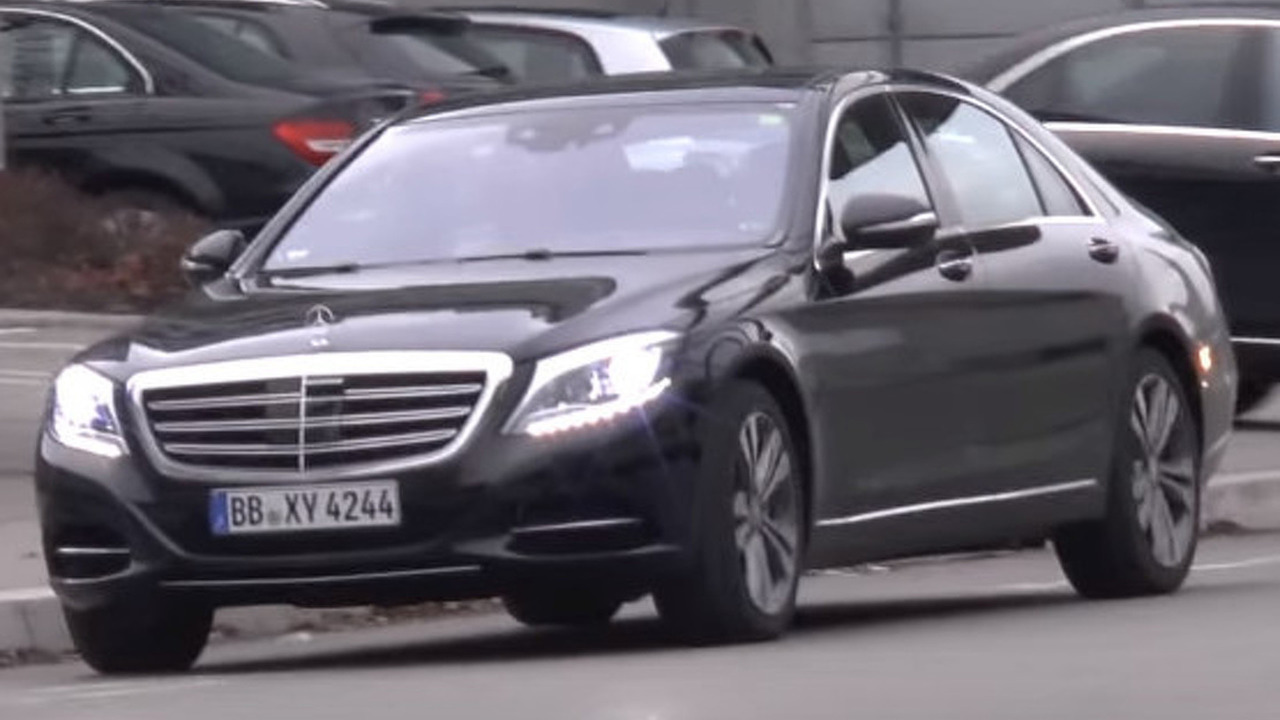 Mercedes-Benz S-Class facelift spy photo