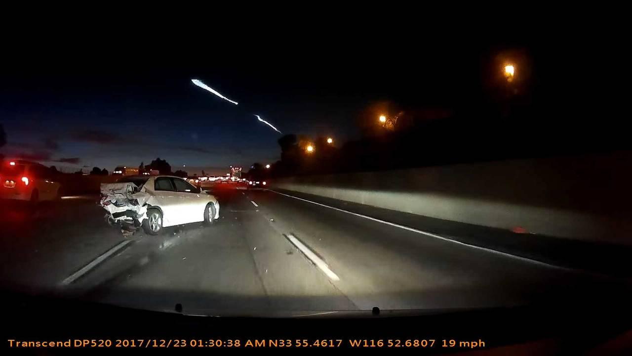 SpaceX Roketini İzleyen Sürücünün Sebep Olduğu Kaza
