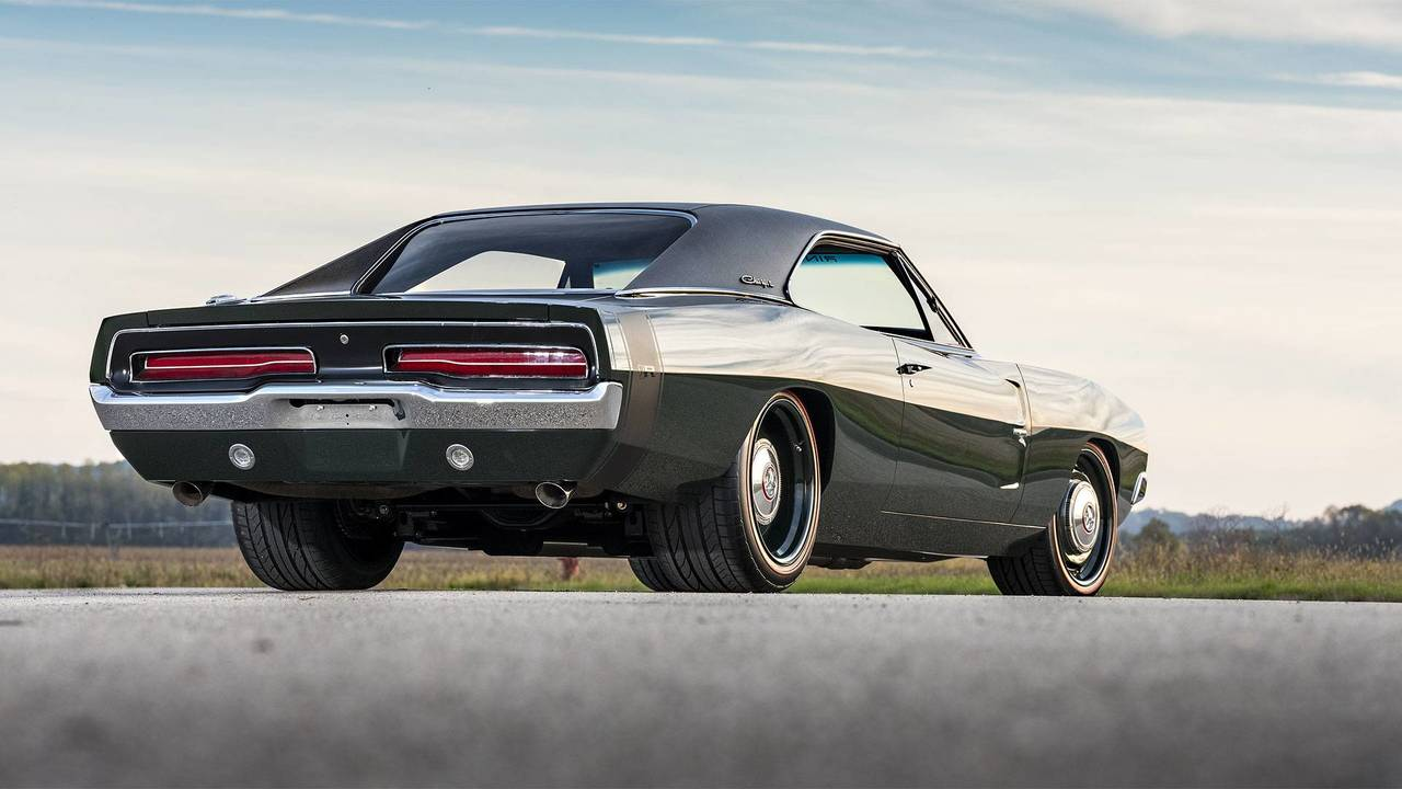 defector 1969 dodge charger is ringbrothers 39 first mopar build. Black Bedroom Furniture Sets. Home Design Ideas
