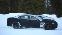 Third generation Hyundai Equus shows its lower roofline in latest spy pics