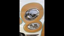 Inusitado Fiat 500 ganha apliques de couro na carroceria para leilão de caridade