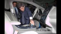 Il Sindaco Alemanno e la Nissan Leaf