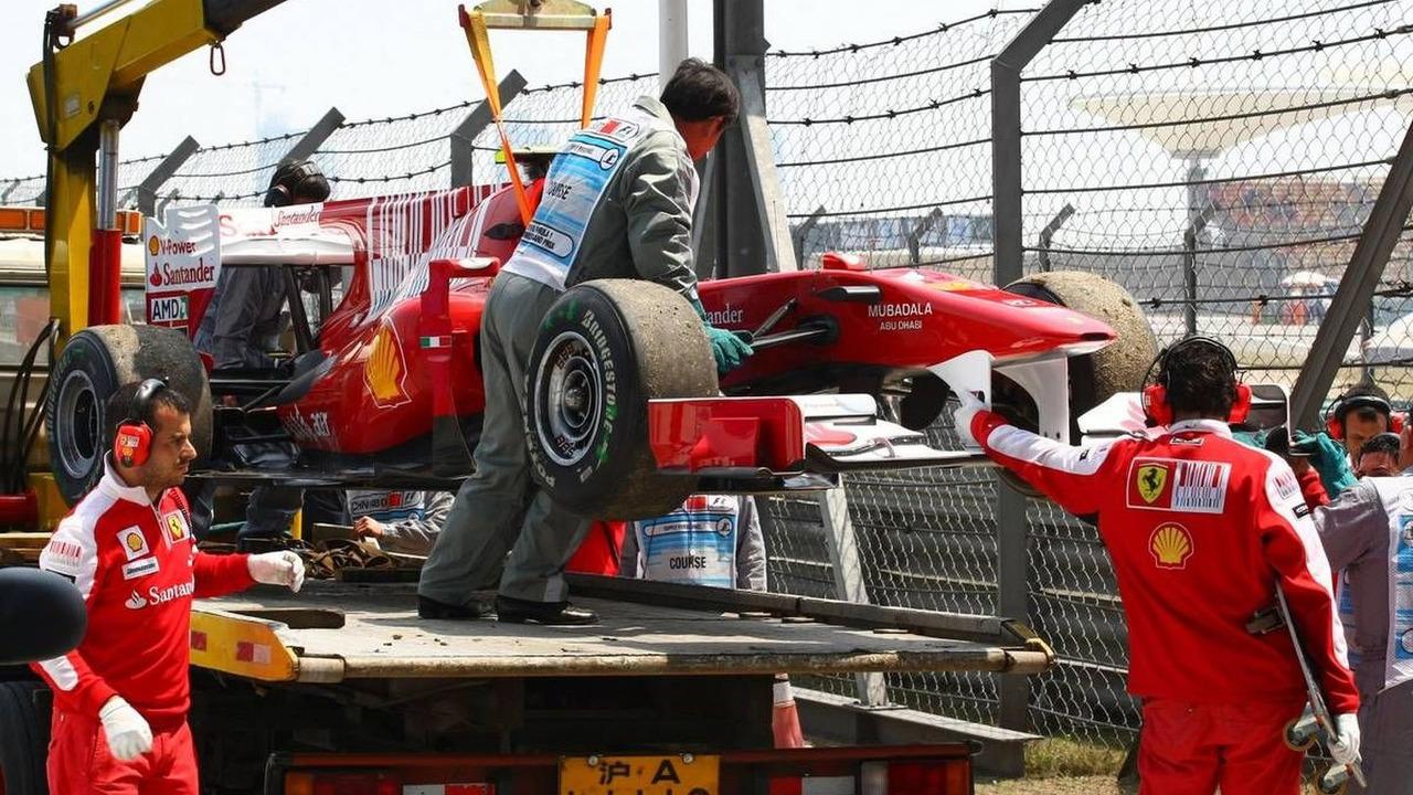 Fernando Alonso (ESP), Scuderia Ferrari stopped on the circuit - Formula 1 World Championship, Rd 4, Chinese Grand Prix, Friday Practice