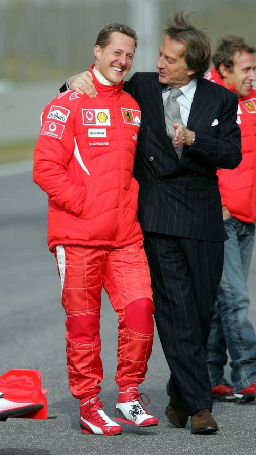 Ferrari wants third car for Schumacher in 2010
