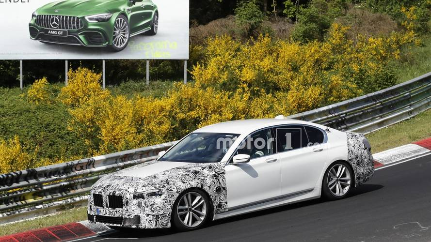 BMW 7 Series facelift spy phot