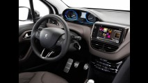 Flagra: duas versões do novo Peugeot 2008 em testes no interior do RJ