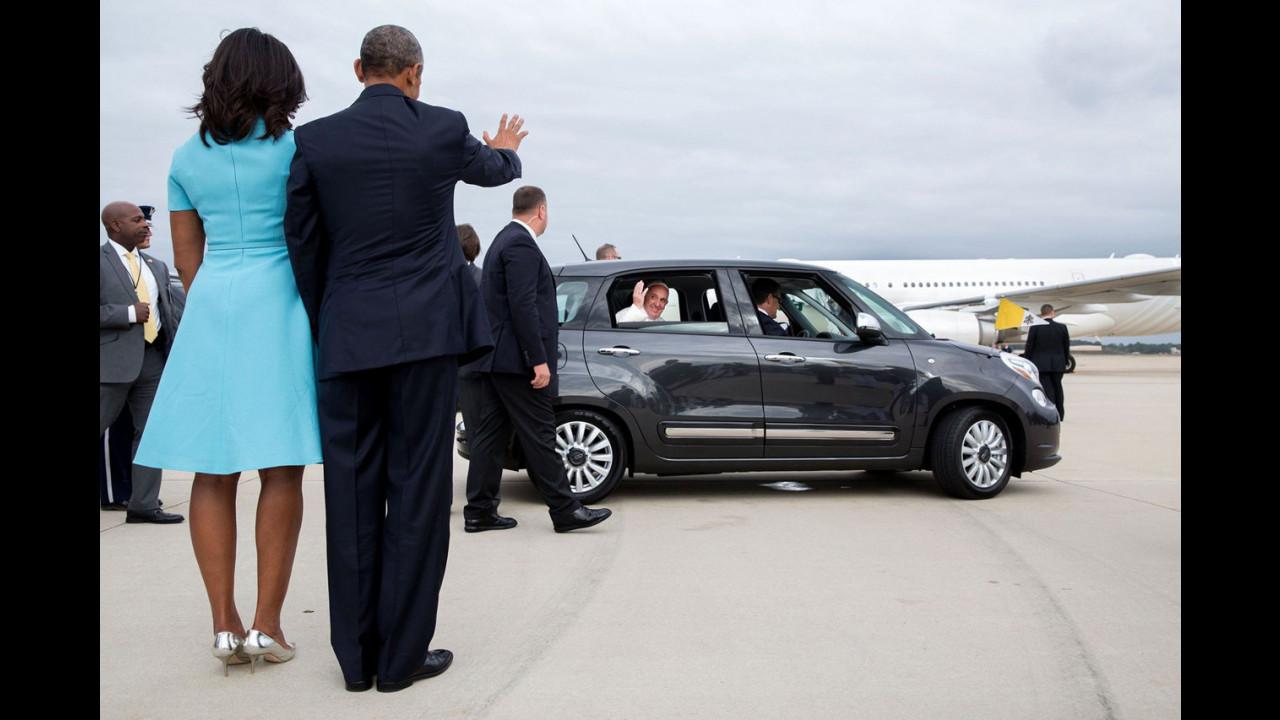 Papa Francesco su Fiat 500L e Jeep negli USA