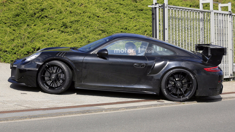 monster 700 hp porsche 911 gt2 spied at the n rburgring. Black Bedroom Furniture Sets. Home Design Ideas
