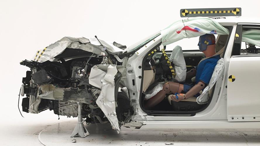 Kia Cadenza IIHS Crash Test