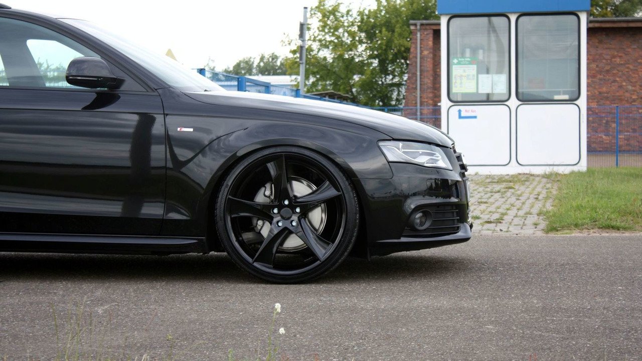 AVUS PERFORMANCE Audi A4 Avant Black Arrow