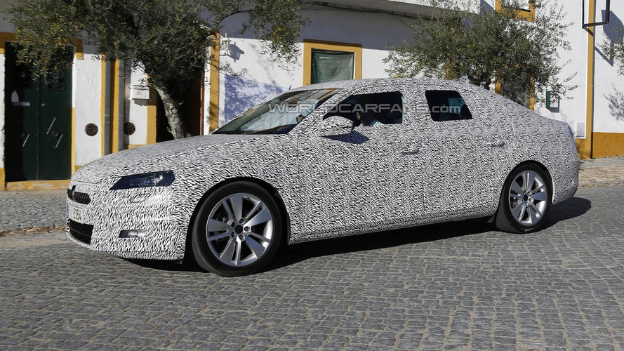 2016 Skoda Superb spied in Europe