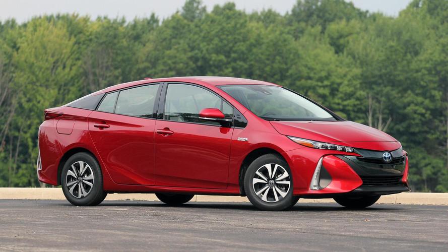 Toyota diz que toda gama será eletrificada até 2025