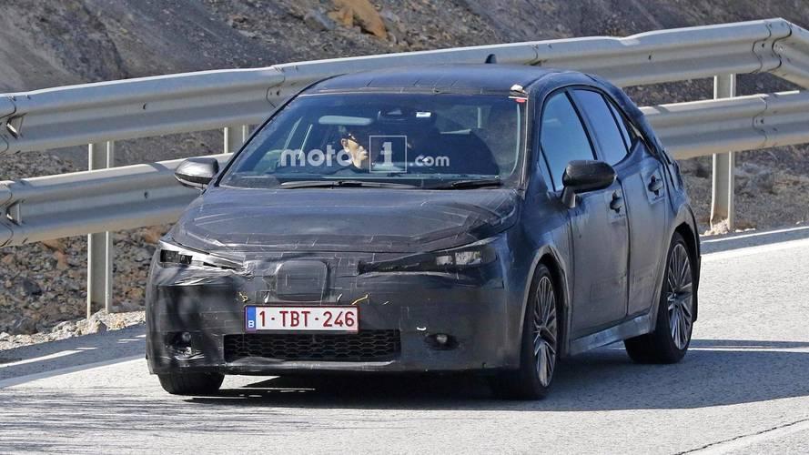 Flagra - Novo Toyota Auris (Corolla hatch)