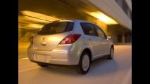 Comparativo entre Nissan Tiida, Vectra GT e VW Golf revela vantagem do Tiida