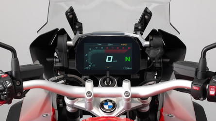 BMW Motorrad apresenta sistema multimídia Connected Ride