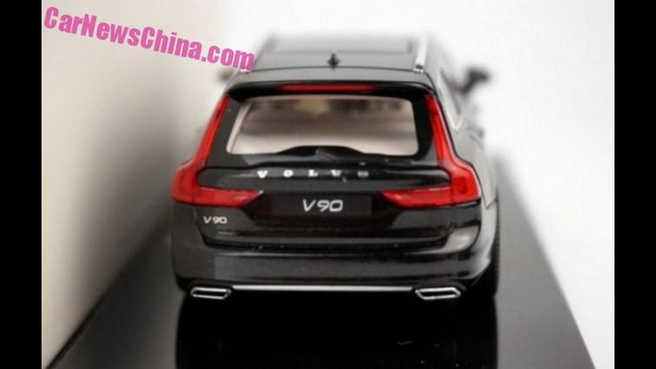 Depois do Volvo S90, inédita perua V90 também aparece em miniatura