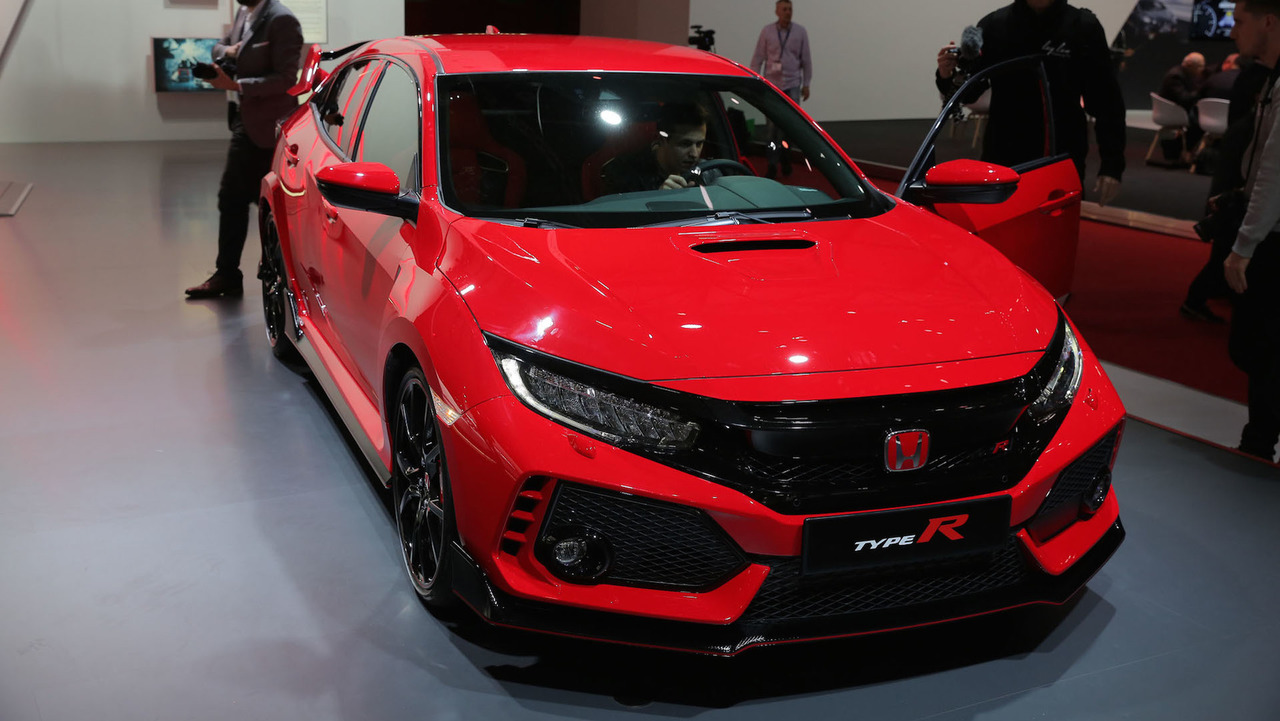 2017 honda civic type r packs 306 hp arrives this spring. Black Bedroom Furniture Sets. Home Design Ideas