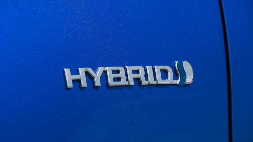 ¿Híbrido o gasolina? Qué versión elegir en este utilitario japonés